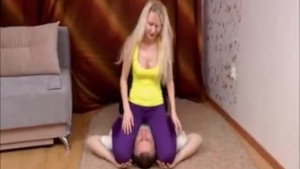 Teen with shaved pussy in her tight yoga pants